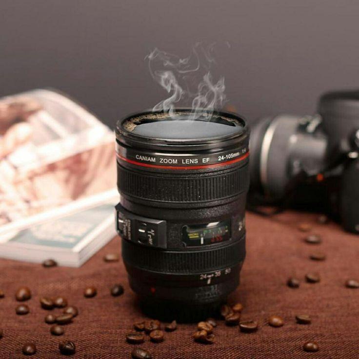 Mug / Gelas Lensa Kamera unik sangat cocok bagi anda yg gemar / suka dengan fotografi.Dengan bentuk yg menyerupai kamera beneran sehingga dapat anda jadikan sebagai koleksi atau pun sebagai teman dalam menikmati minuman dingin.  Spesifikasi :  Ukuran: 13 x 8 Cm  Kapasitas: 400 Ml  Warna hitam  Harga : 60.000  Order :  Line : @amorychat (pakai @ ya)  BBM :D27FFFE2  WA : 087878520850