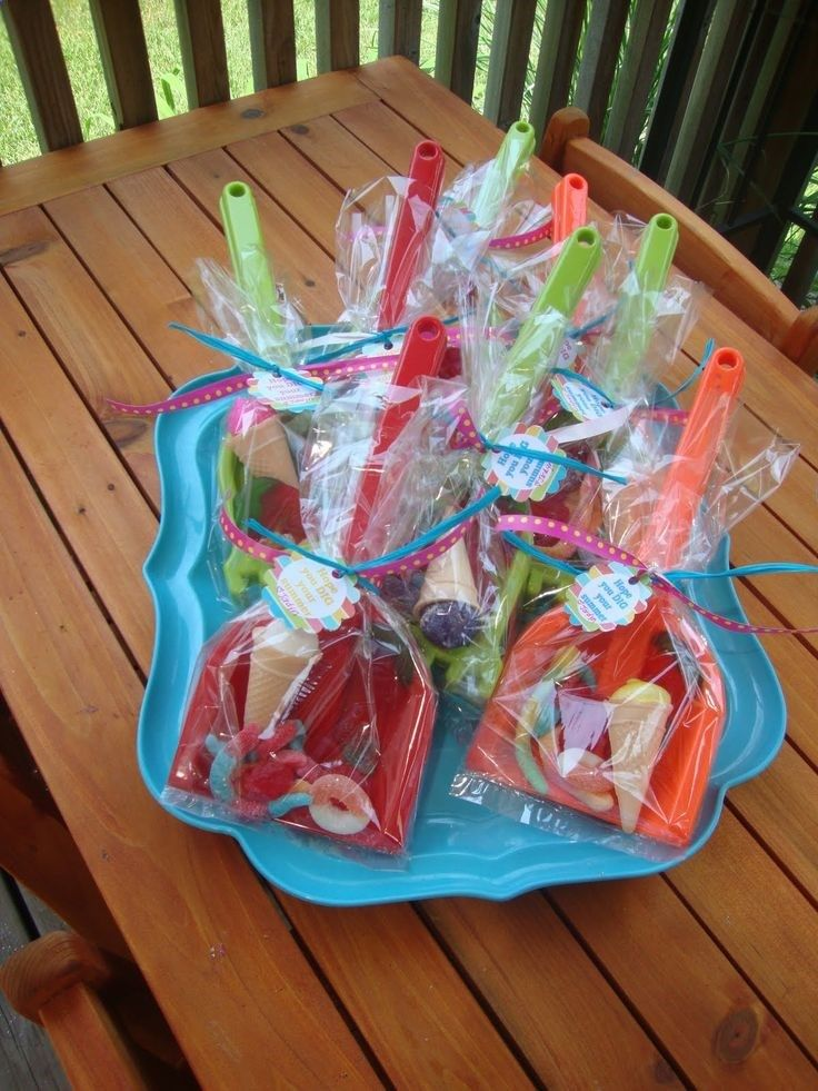 End of school treat - hope you DIG your summer. Could even do this one in a little sand pail.
