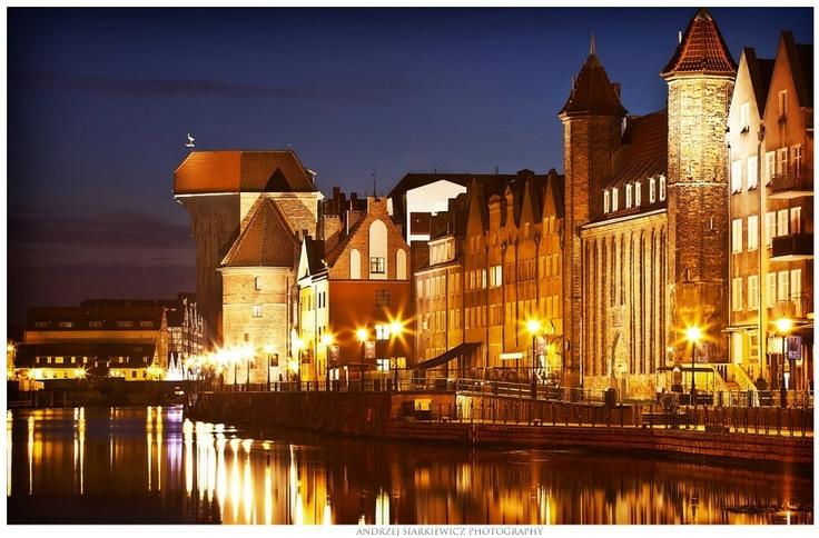 #gdansk #night | photo: Andrzej Siarkiewicz