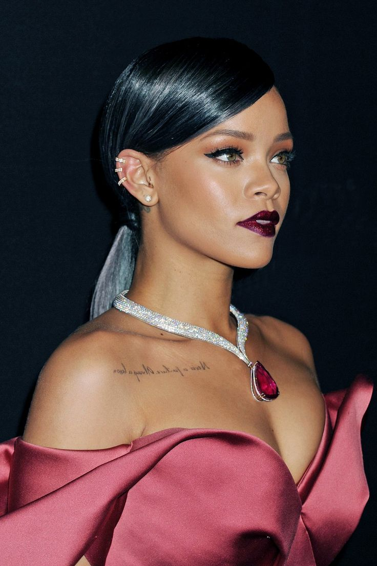 Rihanna looking gorgeous like always