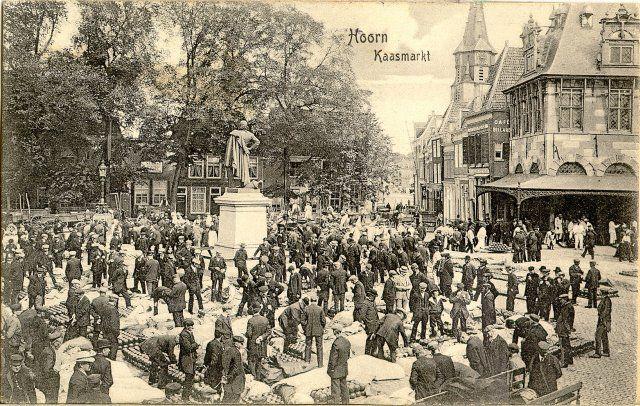 kaasmarkt rode steen hoorn