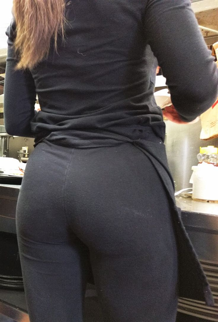 Hot Waitress With A Very Sexy Ass Wearing Black Yoga Pants At Work  Candid Creep -5580