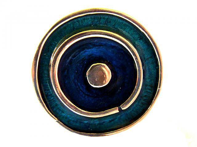 Ο οίκος Τέχνη & Κόσμημα σχεδίασε αυτό το εξαιρετικό δακτυλίδι για καλό σκοπό! Δακτυλίδι στόχος