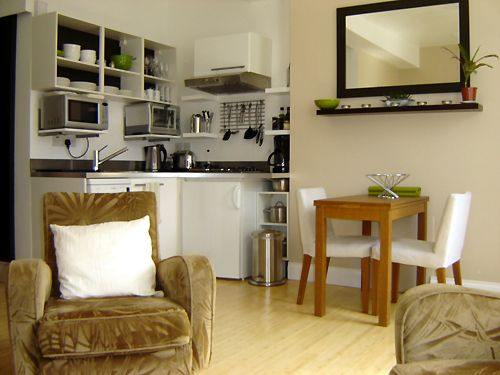 Central furnished London apartment for 2. A gem in gentrified Fitzrovia steps from Marylebone.