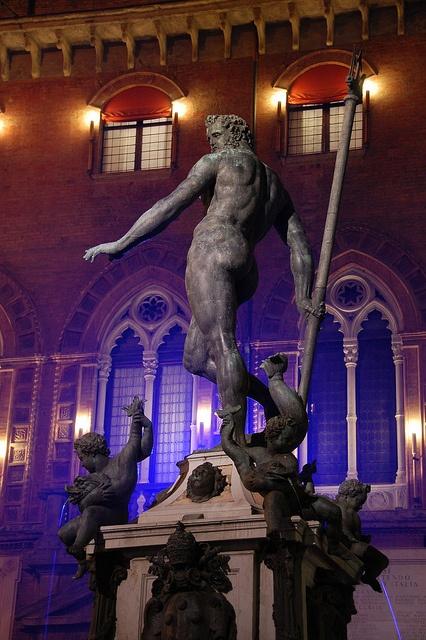 il nettuno  fontana del nettuno, bologna, italia