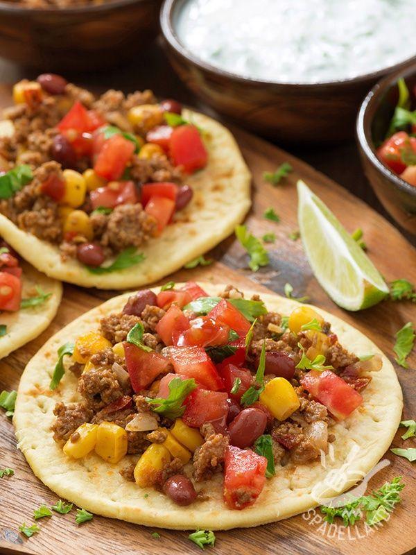 Le Tortillas con chili di carne e pomodori, ottime e genuine, sono ideali anche per arricchire un aperitivo o brunch tra amici.