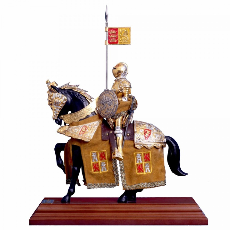 This knight statue will look majestic in your home.