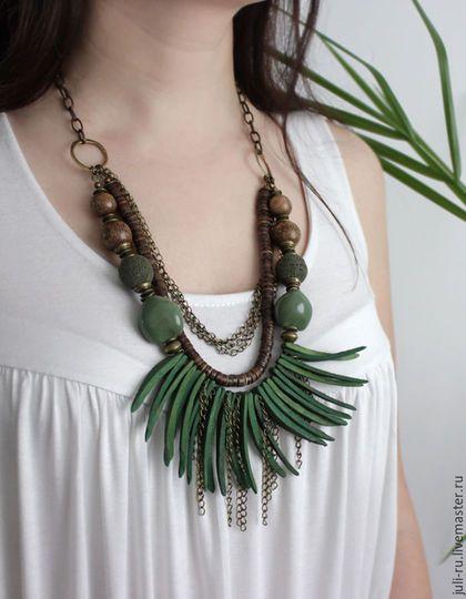Wooden necklace / Бусы в этническом стиле массивные на цепочке Инара. Авторские украшения Уральские сказы.