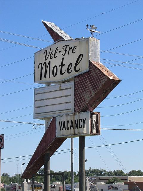 Vel-Fre Motel    - Pittsburg, Kansas