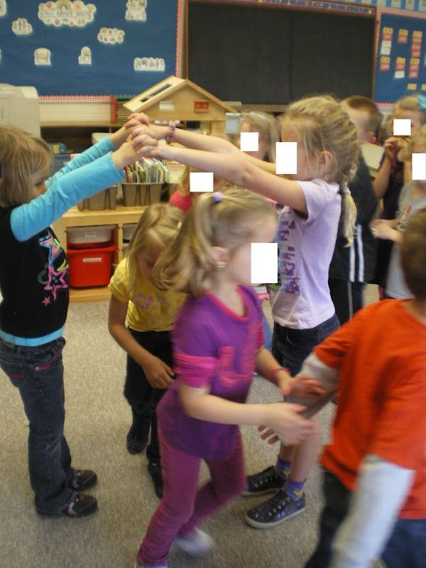 Mrs. Bremer's Kindergarten: Rhyming Bridge {Is Falling Down}- cute whole group activity for practicing rhyming words!