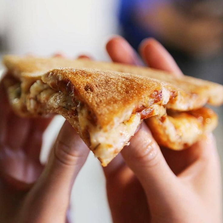 Ceva mai bun decat o felie de pizza? Doua felii!