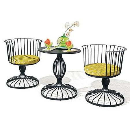 Best 25 vintage patio furniture ideas on pinterest for Wrought iron furniture