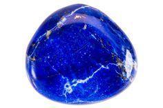 Quelles sont les propriétés et vertus du lapis lazuli ? Découvrez comment utiliser cette pierre à l'histoire fascinante dans le cadre de la lithothérapie...