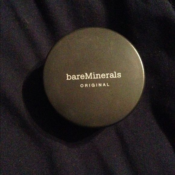 Bare mineral powder foundation Just bought bare mineral powder foundation and Unfortunatly got the wrong shade. Used twice. Very full. bareMinerals Accessories