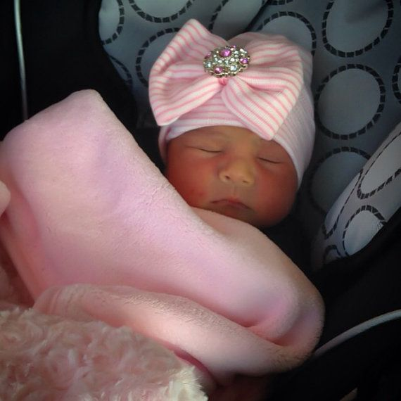 *´¯`•.¸.•*´¯`•.¸.•*´¯`•.¸.•*´¯`•.¸.•*´¯`•. BABY GIRL HAT-Newborn baby girl hat, newborn hospital hat. The Its a Girl baby girl hat by Skylar n Me is