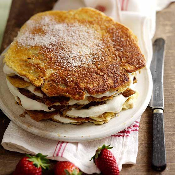 Lagkage af pandekager -http://www.dansukker.dk/dk/opskrifter/lagkage-af-pandekager.aspx #dansukker #opskrift #banan #lagkage #pandekager #kage #dessert #lækkert #snack #spis #eat