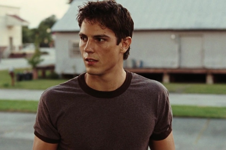 Sean Faris. THIS was my junior high crush. What happened to him???