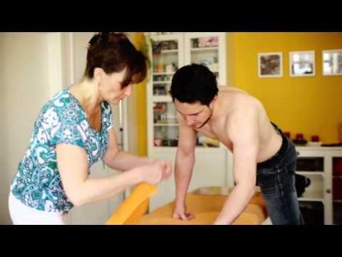 Bei Rückenschmerzen kann Stufenlagerung Linderung verschaffen