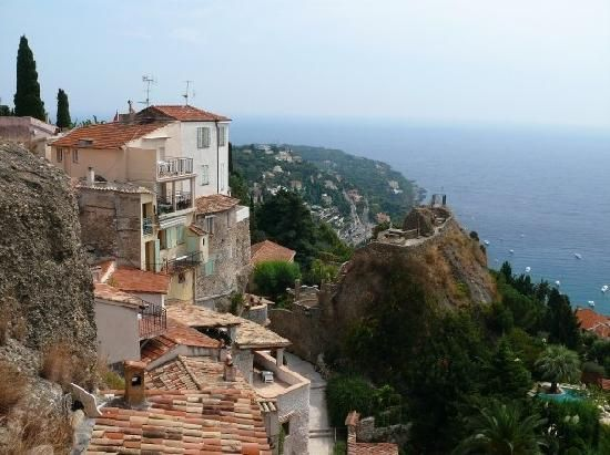 17 best ideas about roquebrune cap martin on pinterest for Azureva roquebrune cap martin piscine