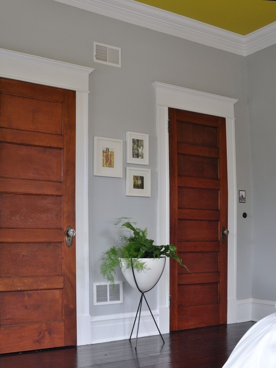 Love the mod planter! And the original doors & trim.