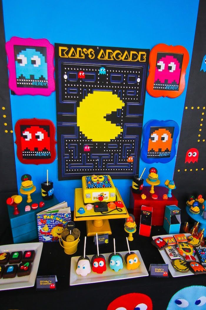 Dessert Table Details from a Pac Man Themed Birthday  #gaming #cakes #desserts