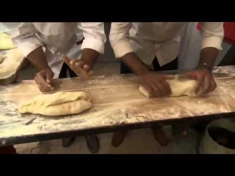 ▶ Di Gesú Bakery - Pane di Altamura (Altamura Bread) - YouTube