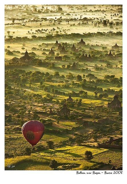 Montgolfière à Bagan: