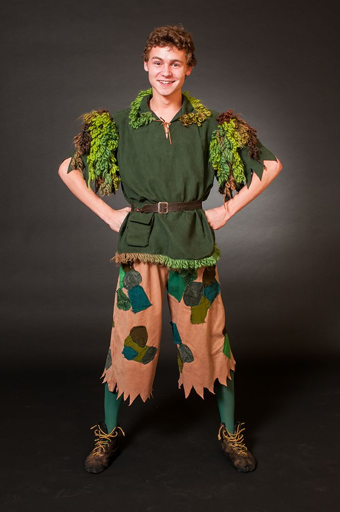"great idea for Peter Pan - I'd rather have the pants in the same colors as the tunic - needs a typical Peter Pan hat, and maybe the ""pan"" flute"