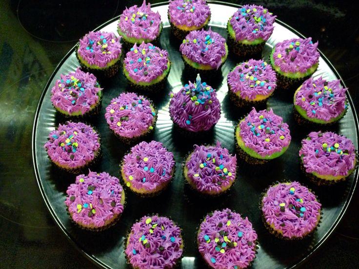 disney's descendants cupcakes - 736×552