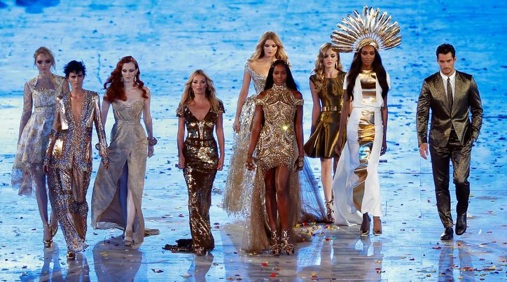 2012 Summer Olympics closing ceremony was amazing, but this supermodel runway walk was mind-blowingly EPIC. Kate—in a dazzling Alexander McQueen by Sarah Burton gown—and longtime-bestie Naomi led the pack. And it all comes full circle.