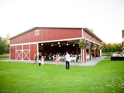 The Red Shed at Langdon Farms Golf Club. http://www.langdonfarms.com/portland-wedding/ | Portland Wedding Venues | PDX Weddings | Barn Weddings | Rustic Weddings |