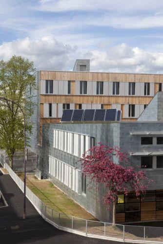Maison départementale de la solidarité, Evreux (France) by   Pierre Lombard  Contractor: Pierre Lombard ; Technique: VMZ Flat lock panel, VMZ Structural roof   #NaturalZinc #Wood #Roofing #France #Zinc #VMZINC