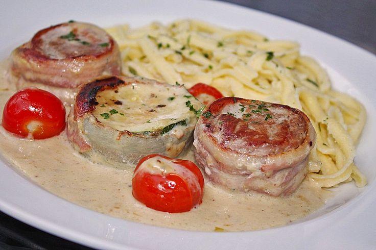 Schweinefilet mit Zucchini in Gorgonzola-Sahne Sauce. Entdecke unser Rezept.