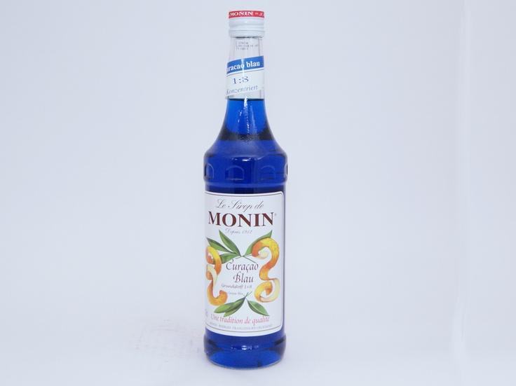 Monin Sirup Curacao Blue - Kjero #monin #bluecuracao #cocktails #swimmingpool #bluelagoon