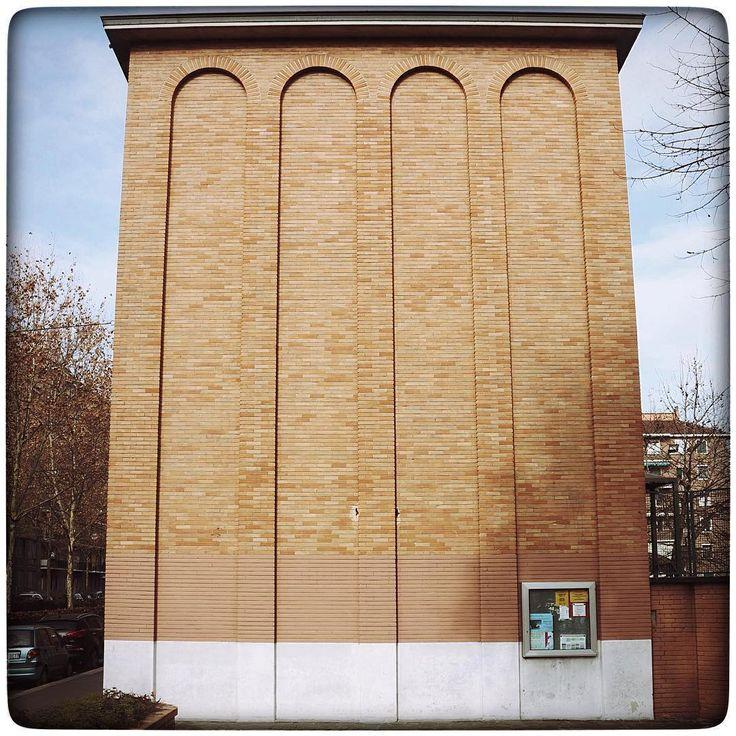 """#Repost @gianfulgenzio  #muziomilano #quattrorvangelisti #polimi  1954 Chiesa Quattro Evangelisti Via Pezzotti  PARTECIPA a #MUZIOMILANO  Scopri fotografa e condivisi su IG oltre 50 edifici progettati da Giovanni Muzio lungo il Novecento. Da Ca' Brütta alla Triennale.  Vi aspettiamo dal 15 aprile al 10 luglio al Castello Sforzesco di Milano con la mostra """" Ca' Brütta 1921 Giovanni Muzio Opera Prima"""" _________________________  We are waiting from 15 april to 10 july to Milan's Castello…"""
