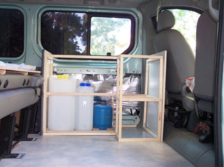 faire le coffrage des meubles trafic am nag campervan trafic with a view van am nag. Black Bedroom Furniture Sets. Home Design Ideas