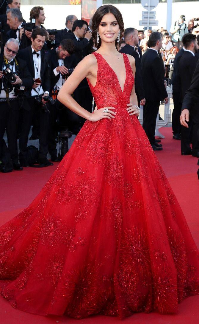 Best 25  Celebrity gowns ideas on Pinterest | Blake lively dress ...