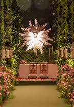 Um casamento clássico com decoração em branco e verde, assinada por Lais Aguiar.