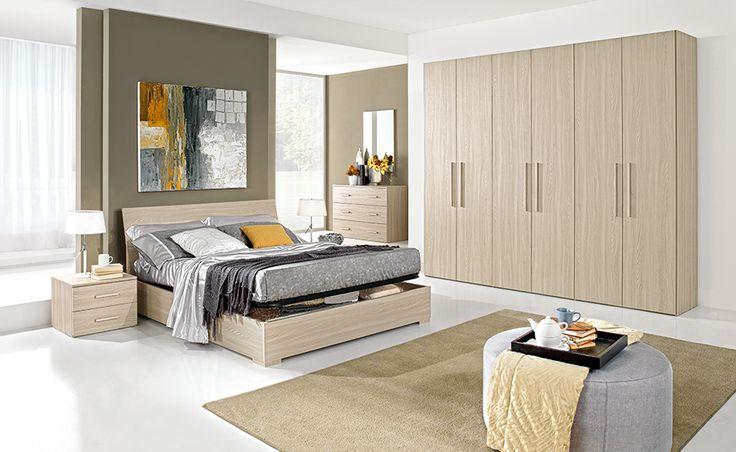La camera da letto Marina ti offre tutto lo spazio di cui hai bisogno grazie al suo letto contenitore e al capiente guardaroba.
