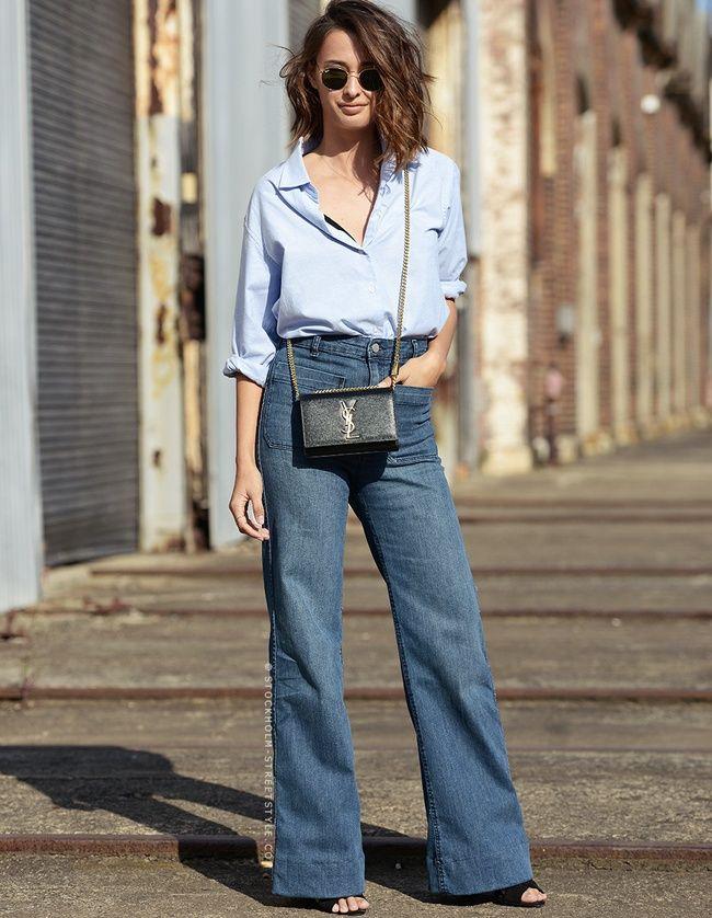 Jean flare + micro sac YSL + chemise audacieusement déboutonnée = le bon mix (blog Carolines Mode)
