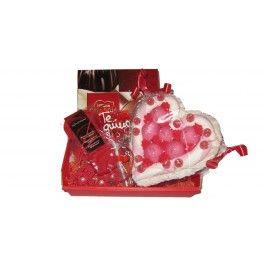 La Cesta San Valentín para chica es la ideal para las amantes del chocolate y de los dulces. Dile que le quieres con el corazón de nubes y acompáñalo con los pendientes artesanales hechos a mano. Ya sea el día de San Valentín o no, dile que la quieres con nuestra cesta regalo a domicilio. ¡Sorpréndela y recuérdale lo especial que es en tu vida!