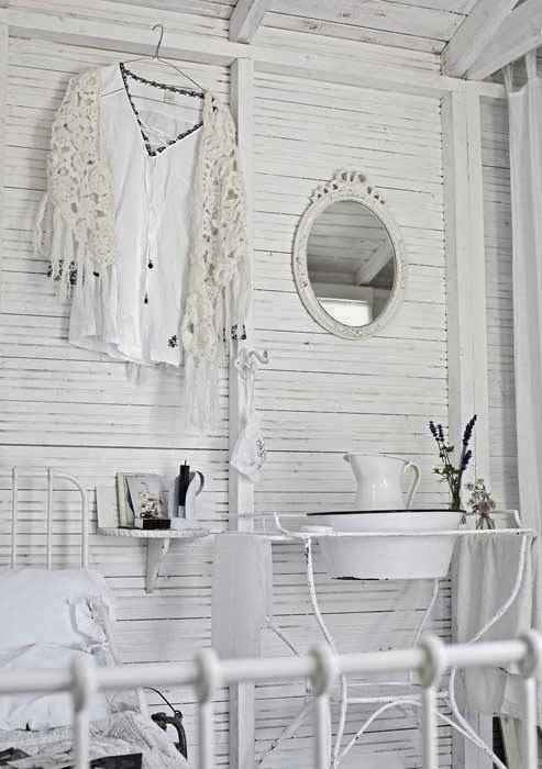 Shabby Chic Interior With Incredible Attention To Details 14