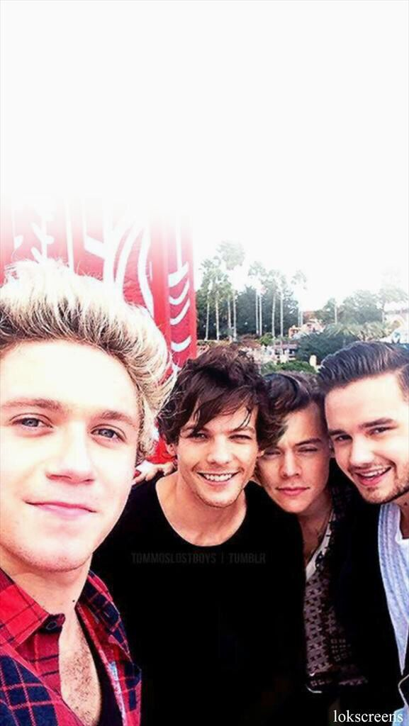 One Direction lockscreen {From lokscreens on Twitter}
