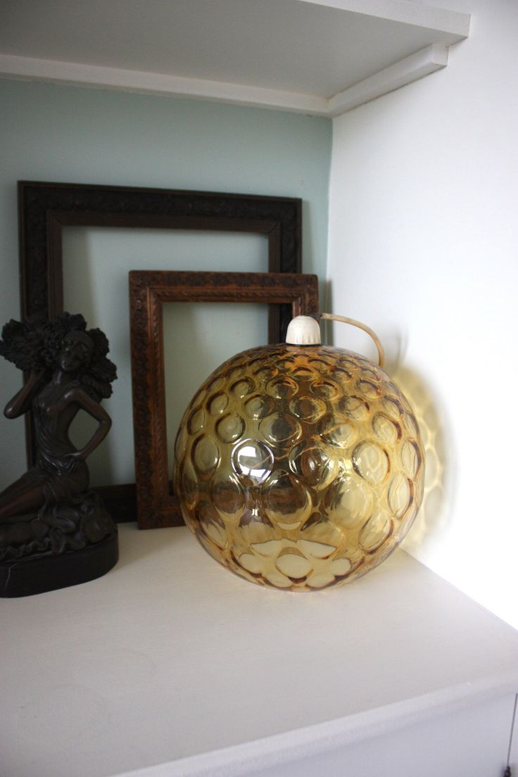 Vintage czech Borske 60s 70s retro glass light shade by DaisiesInTheDust on Etsy https://www.etsy.com/uk/listing/494421658/vintage-czech-borske-60s-70s-retro-glass