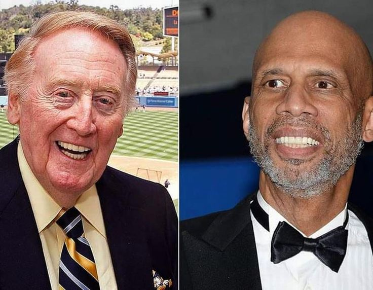 get1laterCongrats to TWO of LA's Sports Icons Today. Vin Scully & @kareemabduljabbar_33. Both named to receive The Presidential Medal of Freedom (The Nations Highest Civilian Honor). Well deserved gentlemen #Icons #Dodgers #Lakers #GOATs #Skyhook #Cap #TheStoryTeller #MedalOfFreedom #Kareem #UCLA #CityOfAngels #LA
