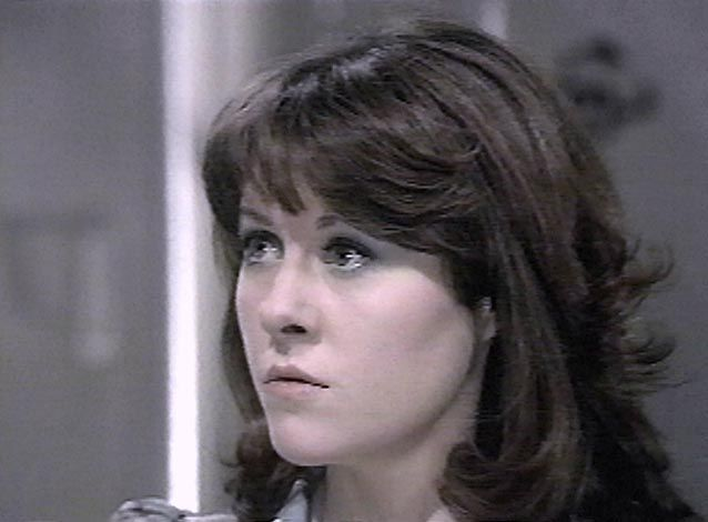 From the Archives of the Timelords Born 1 February 1948 Elisabeth Sladen portrayed determined journalist Sarah Jane Smith from the beginning of The Time Warrior (1973) through the end of The Hand of Fear (1976). She also appeared in K9 and Company (1981) and the independent video production Downtime (1994). Age during show: The Time Warrior 25 years .. The Hand of Fear 28 years .. K9 and Company 33 years .. The Five Doctors 35 years .. Dimensions In Time 45 years