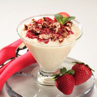 Arroz con Leche with Tangy Strawberry Sauce and Candied Pecans Recipe | Nestle Meals.com