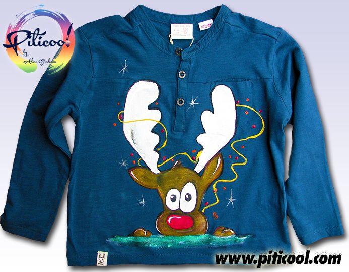 Ren vesel - tricou pictat manual pentru un pitic de 2 ani http://www.piticool.com/cadouri-de-craciun-tricouri-pictate-manual-piticool.html #tricouripictatemanual #tricoupictat #ren #cadourisarbatori #tricouripersonalizate