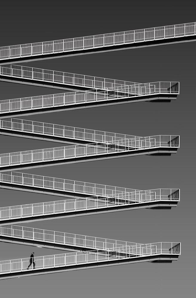 1x.com is the world's biggest curated photo gallery online. Each photo is selected by professional curators. Pasarela hacia el cielo by Juan de Villalba