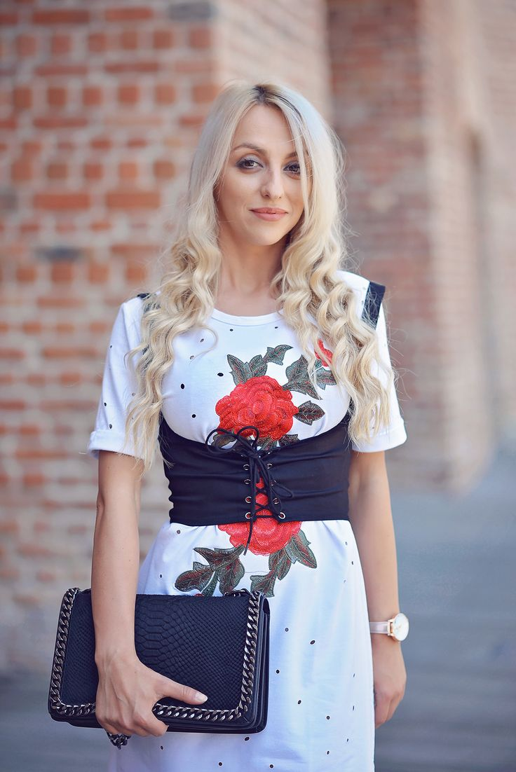 @Chicme #dress #tshirt #tshirtdress #floral #floraldress #fashion #blogger #blog #shop  http://www.chicme.com/product/alluring_embroidered_holey_casual_t-shirt_dress/f8266bac-fcdd-4391-b683-e5fc97f5952a.html